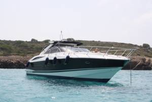 Sunseeker Camargue 50' with Boatmatch.com