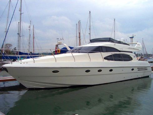 Azimut 58 Flybridge Power Boat For Sale - €640000
