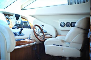 buying Azimut 74 Solar - reduced For Sale
