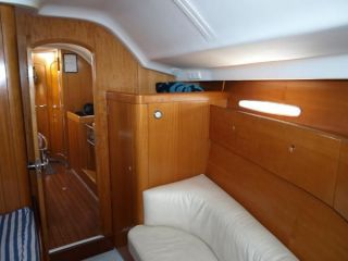 buying Beneteau  42S7 For Sale
