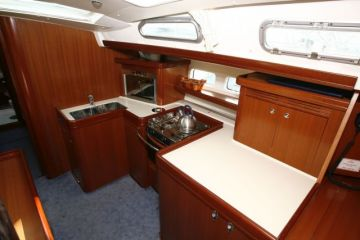 buying Beneteau Oceanis 523 For Sale