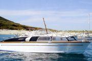 Fairey Marine Huntsman 28 Power Boat For Sale