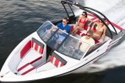 Glastron GTS185 Power Boat For Sale