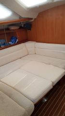 buying Hunter 41 Deck Saloon For Sale