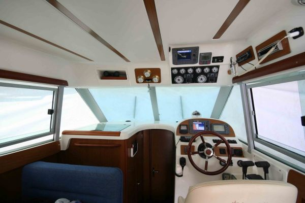 Jeanneau Merry Fisher 925 Power Boat For Sale - €85000