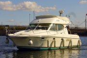 Jeanneau Prestige 32 Power Boat For Sale