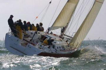 buy Jeanneau Sun Fast 43 For Sale