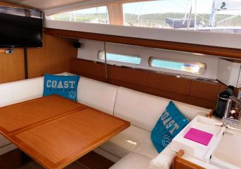 buying Jeanneau Sun Odyssey 44 DS For Sale