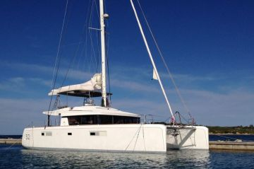 buy Lagoon 52 Owners Version For Sale