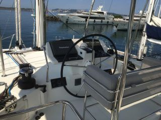 buying Lagoon 560 For Sale
