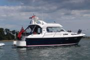 Nimbus 320  coupe Power Boat For Sale